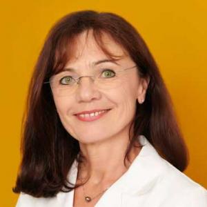 Portraitfoto Dr. Astrid Nader